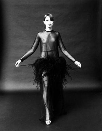 En 1968, Yves Saint Laurent ya utilizó tejidos transparentes.