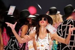 El 'retro' predomina en la segunda jornada de la 080 Barcelona Fashion